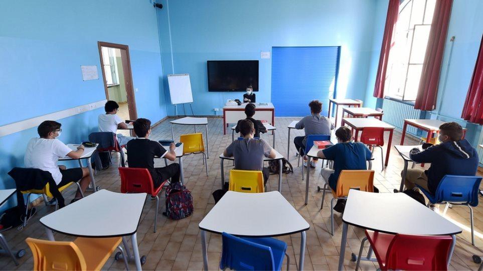 Άνοιγμα σχολείων: Οι μαθητές επιστρέφουν σε Δημοτικά, Νηπιαγωγεία στις 11/1 | Mikriliga.com